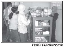 Koperasi sekolah merupakan wadah kegiatan ekonomi siswa di sekolah.