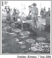 Anggota koperasi nelayan yaitu para nelayan.