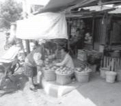 Ekonomi Pancasila mengutamakan kehidupan rakyat.