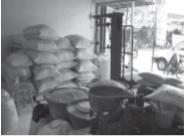 Pelaku ekonomi pasar bebas mempunyai kebebasan gerak termasuk distribusi bahan makanan.
