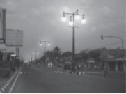 Produksi listrik untuk penerangan jalan dilakukan oleh pemerintah.