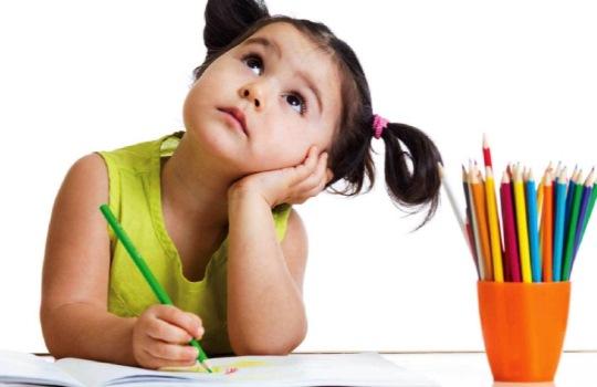 Cara Mengajari Anak Belajar Menulis Sejak Dini yang Menyenangkan